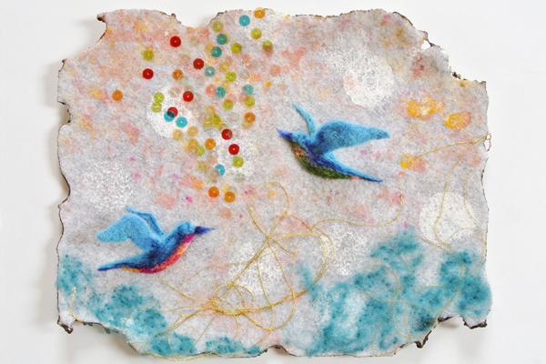 フェルト作家Yurinokoのヘビと鳥とビーズのイラスト