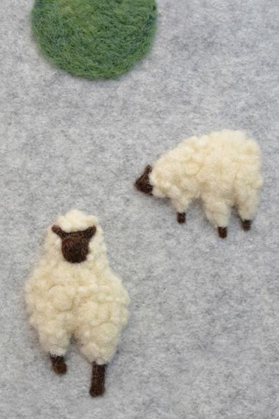 フェルト作家Yurinokoの羊のイラスト