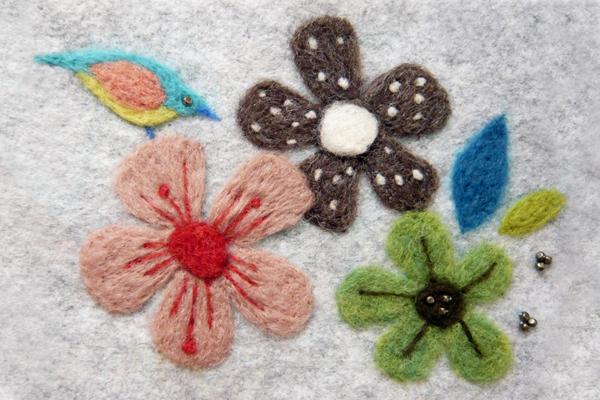 フェルト作家Yurinokoの花と鳥のイラスト