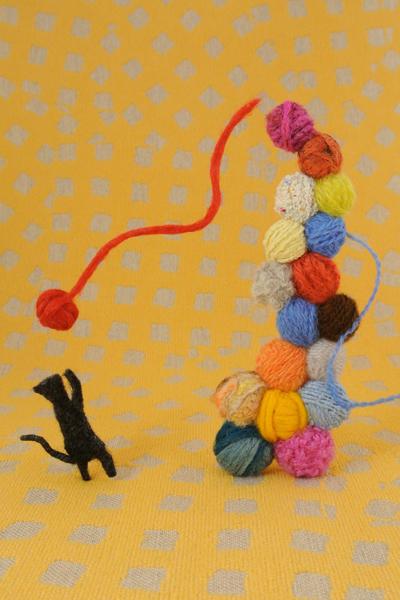 フェルト作家Yurinokoの黒猫と毛糸の半立体イラスト