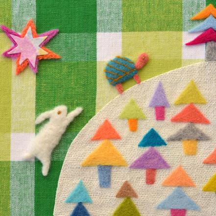 フェルト作家Yurinokoのウサギとカメのイラスト