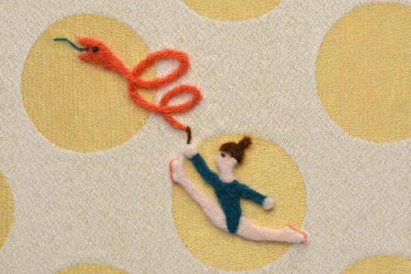 フェルト作家Yurinokoのヘビと新体操のイラスト